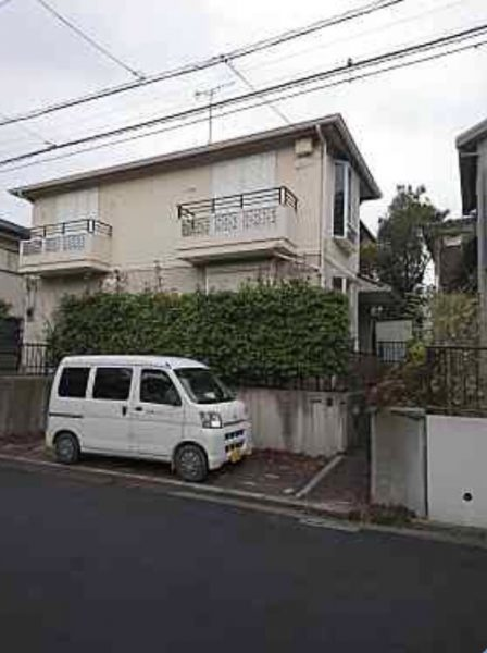 横浜市青葉区桂台の解体工事を行いました。