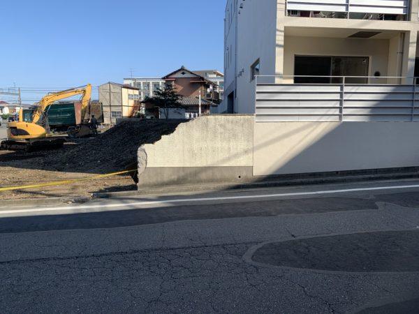 鶴ヶ島市上広谷 擁壁撤去工事を行いました。