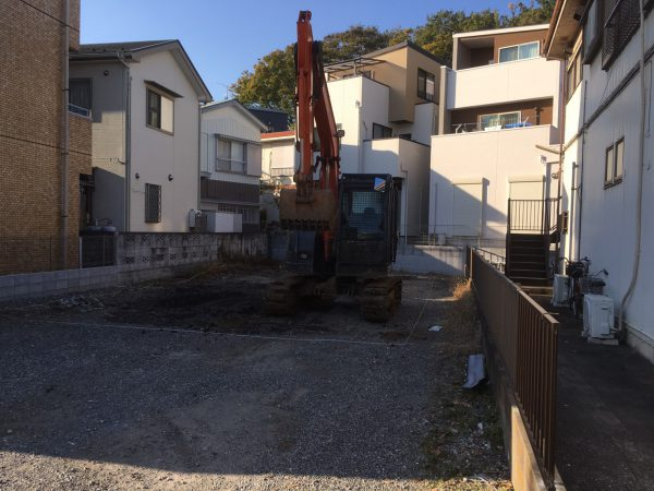 川口市柳崎 地中埋設物工事を行いました。