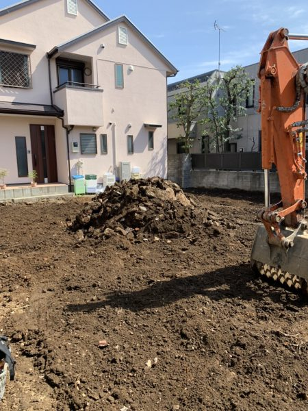 新宿区中井 地中埋設物撤去工事を行いました。
