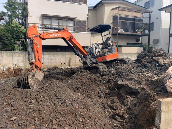 草加市氷川町 地中埋設物撤去工事を行いました。