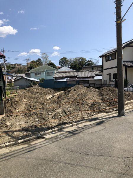 栄区鍛冶ヶ谷 地中埋設物撤去工事を行いました。