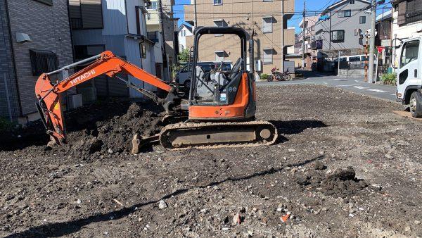 足立区本木 地中埋設物撤去を行いました。
