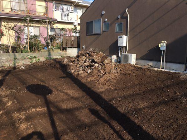 世田谷区経堂 地中埋設物撤去を行いました。